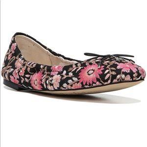 NIB Sam Edelman Felicia 3 Floral Embroidered Flats